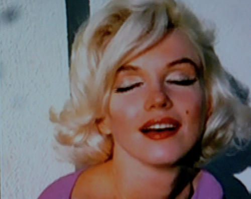 Marilyn eyes wide shut