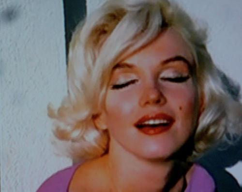 Marilyn eyes wide shut
